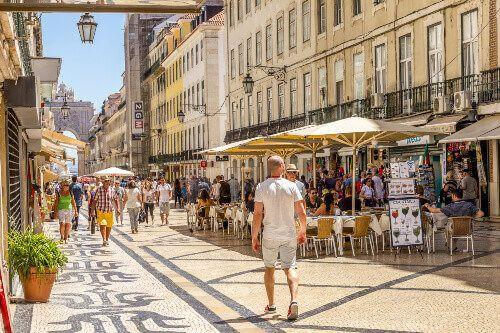 The busy Augusta Street of Lisbon.