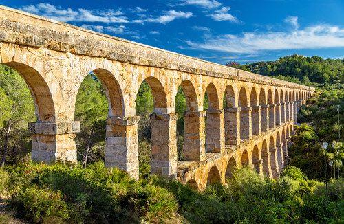The beautiful Pont Del Diable.